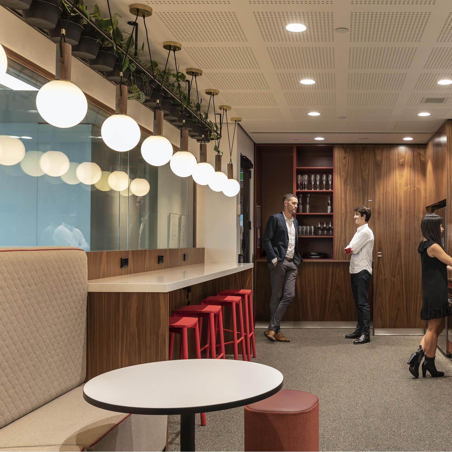 portfolio-offices-spaces-ubs-image2